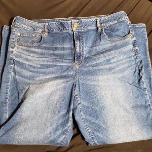 American Eagle Favorite Boyfriend Jeans 22